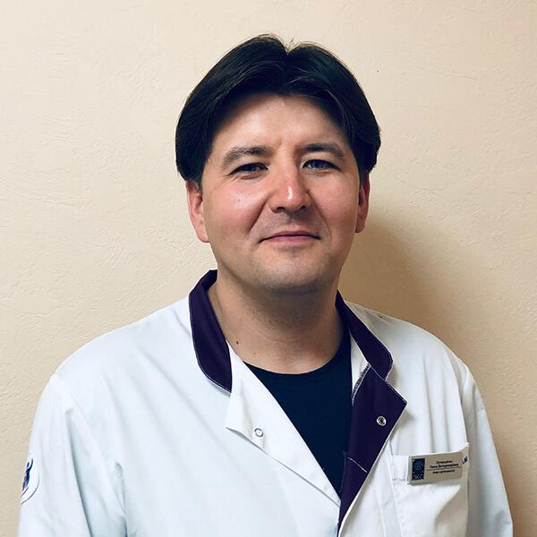 Доктор офтальмолог Уразов Артем Жараспаевич