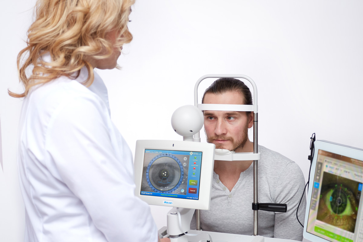 обследование глаз