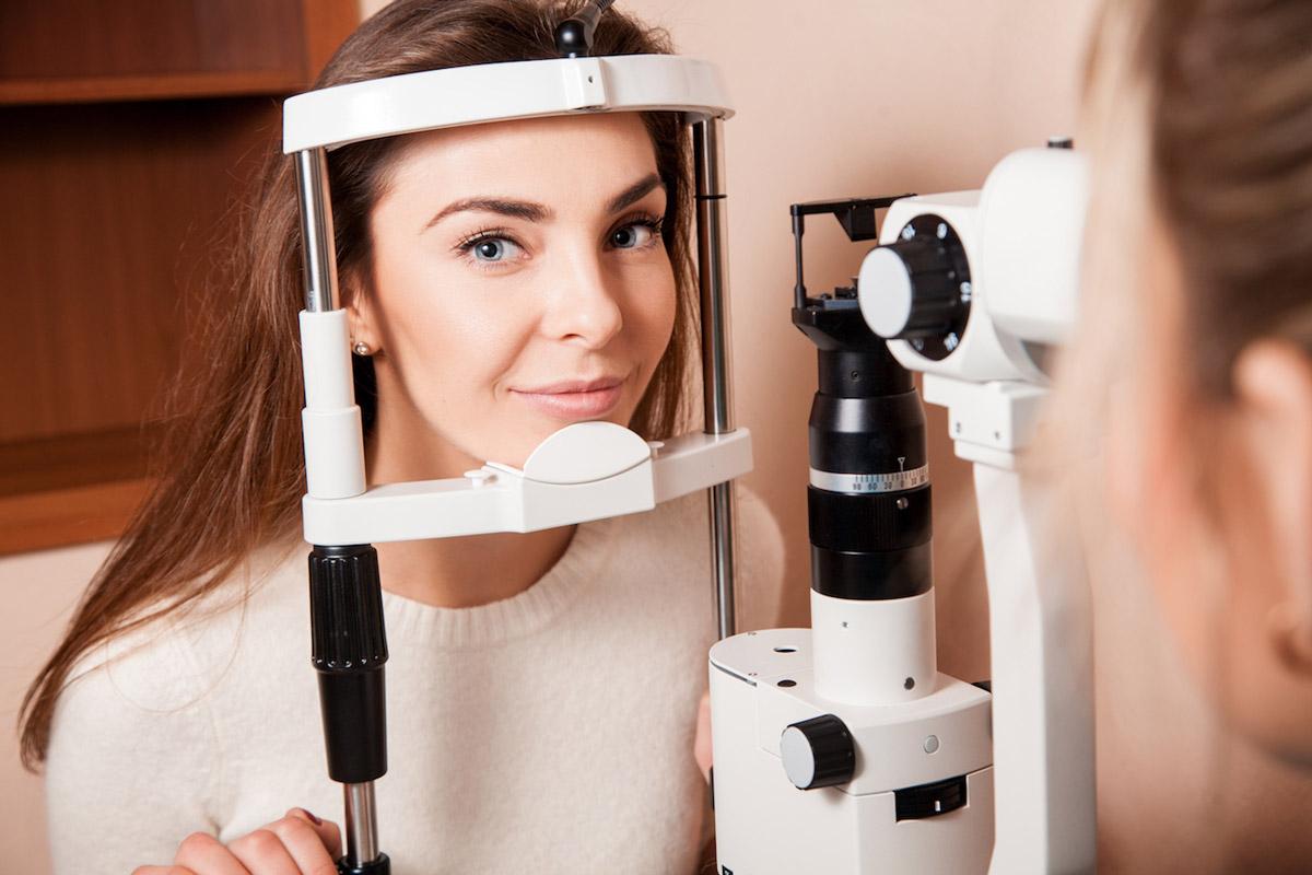 клиника проверка зрения